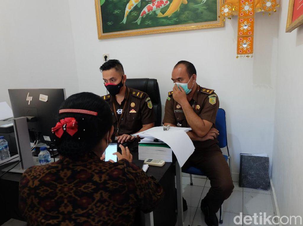 Mantan Bupati Karangasem Diperiksa Kejaksaan Terkait Dugaan Korupsi Masker