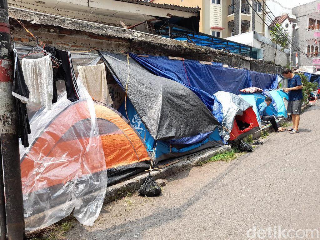 Pencari Suaka Kemah di Trotoar Kebon Sirih, Negara Tujuan Perlu Buka Pintu