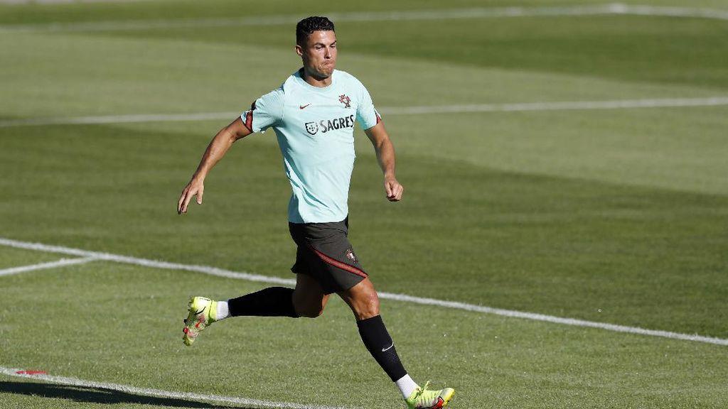 Ronaldo Resmi ke MU, Kini Fokus ke Timnas Portugal Dulu