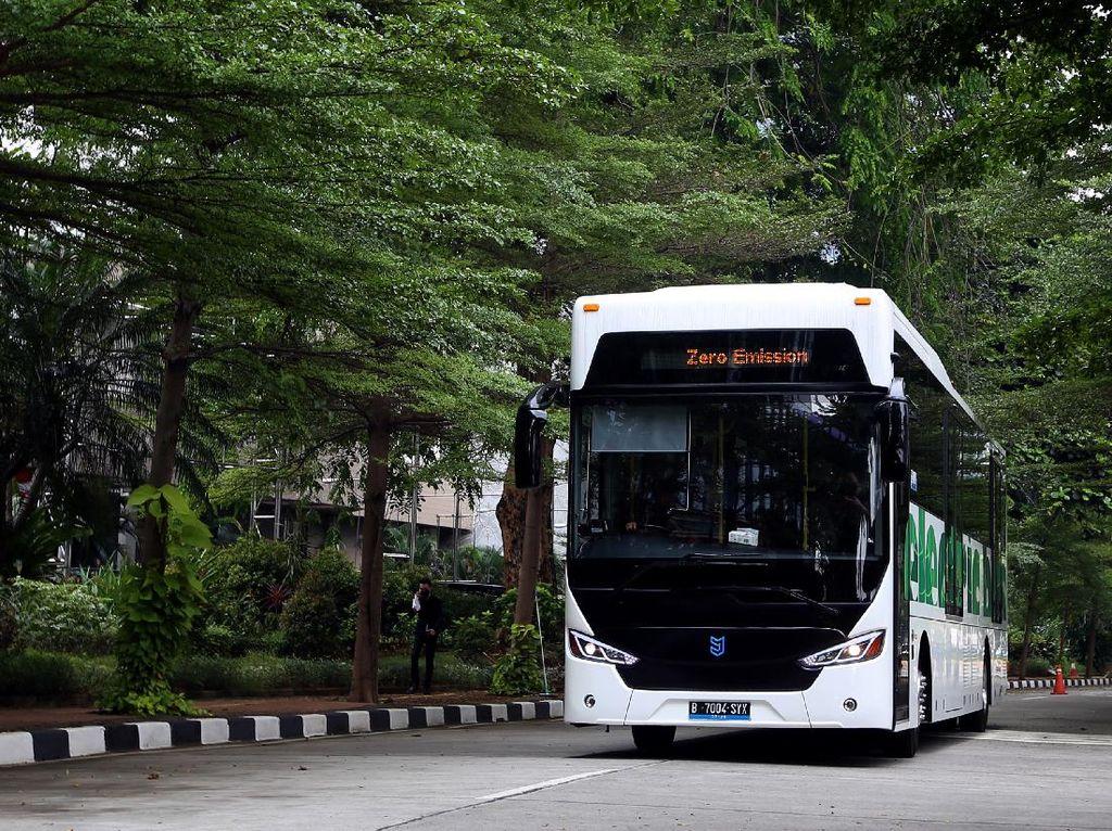 Tekan Emisi, Perusahaan Ini Mulai Pakai Bus Listrik