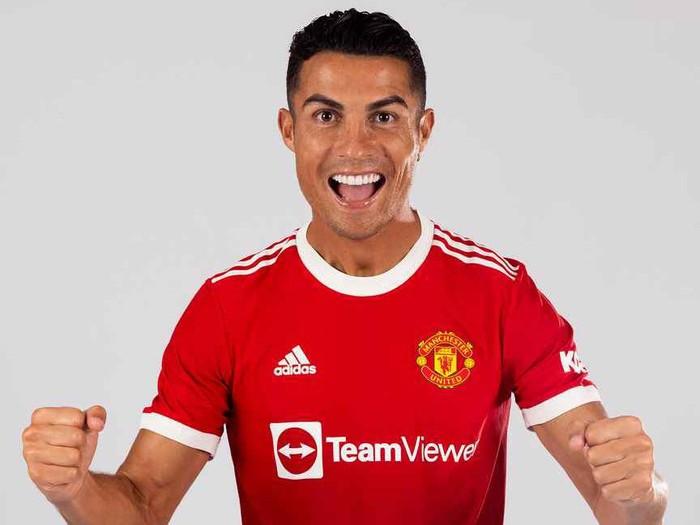 Cristiano Ronaldo menjadi pembelian terbaru Manchester United dan sudah memakai jersey anyar, Selasa 31 Agustus 2021.