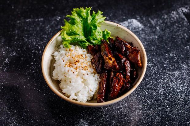 Menu daging teriyaki dari masakan Jepang | Foto : freepik/azerbaijan-stockers