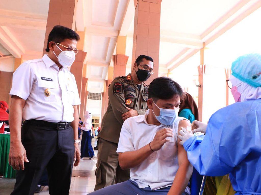 Jelang PTM, Pemkot Tangerang Gelar Vaksinasi Massal untuk 16 Ribu Siswa