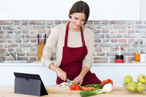 Pria tertarik pada perempuan yang jago masak