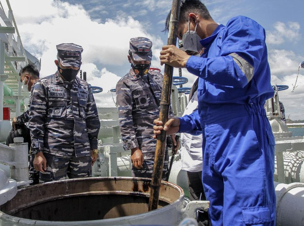 Kapal Tanker Berbendera Panama Ditangkap, Diduga Mau Buang Limbah