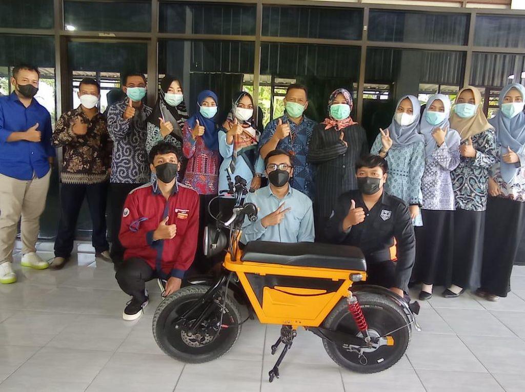 Siswa SMK Ki Ageng Pemanahan Buat Motor Listrik dari Bahan Daur Ulang Sepeda
