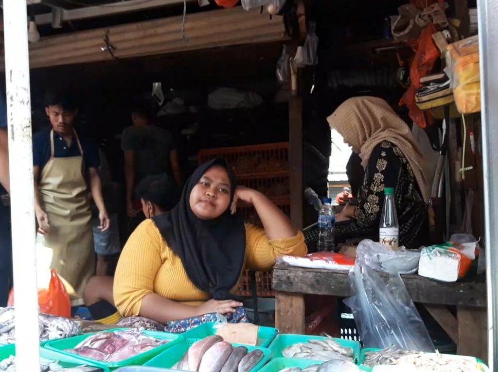 Penjual-Pembeli Pasar Ciputat Masih Tak Bermasker, Tak Ada Operasi Yustisi
