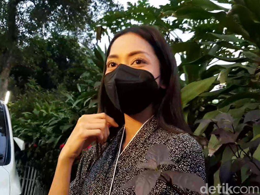 Ekspresi Santai-Senyum Ririn Dwi Ariyanti Bicara Diceraikan Aldi Bragi
