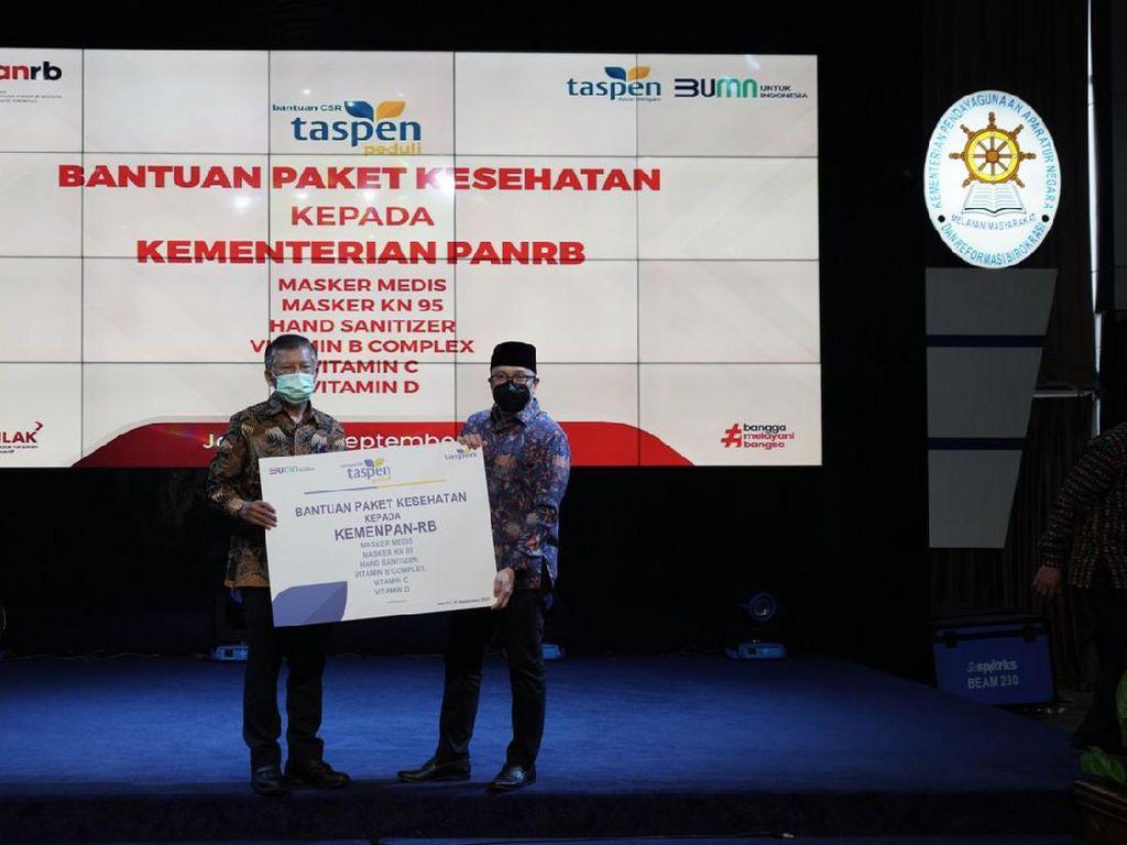 Taspen Salurkan Bantuan Paket Kesehatan ke Kementerian PAN-RB