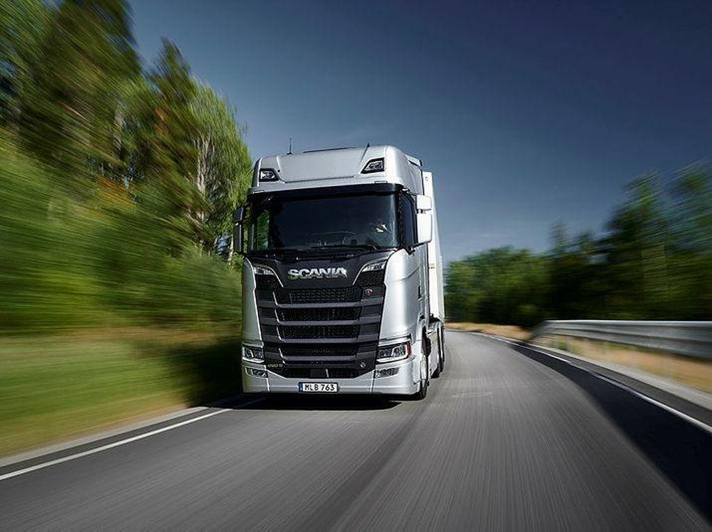 Scania Setop Produksi Truk Akibat Krisis Chip Semikonduktor