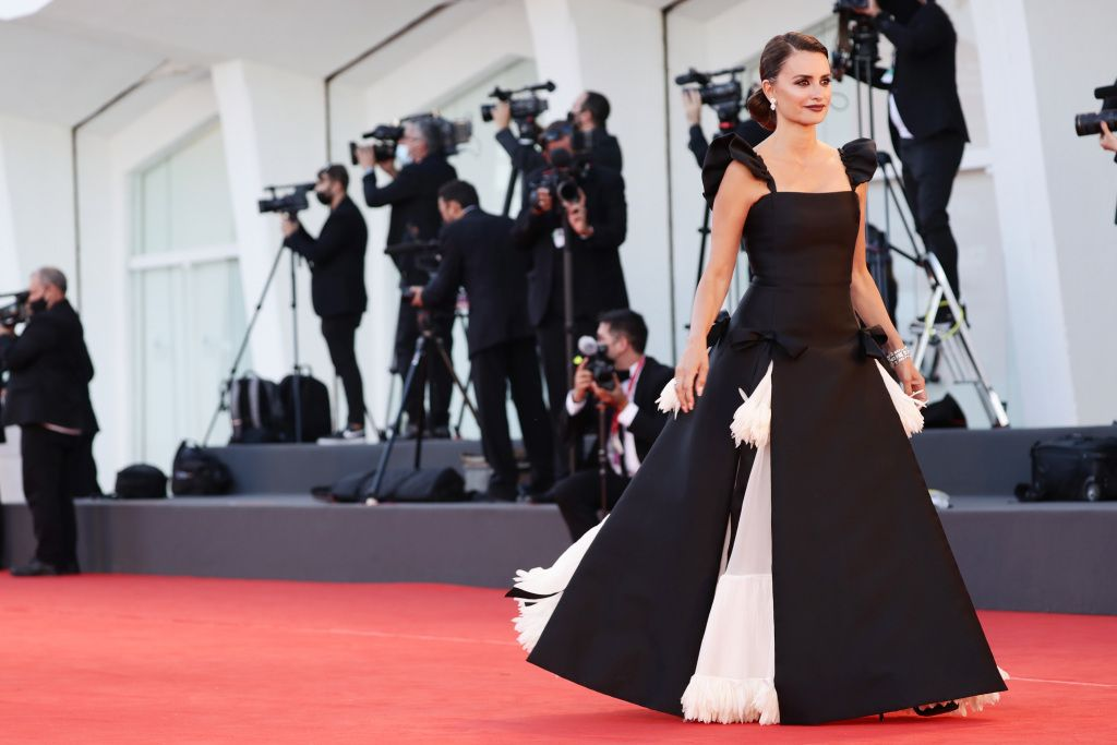 VENICE, ITALY - SEPTEMBER 01: Penelope Cruz attends the red carpet of the movie