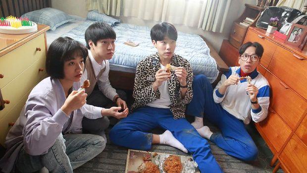Tipe Fans K-Pop Dari Musiman Hingga Bucin, Kalau Kamu yang Mana?