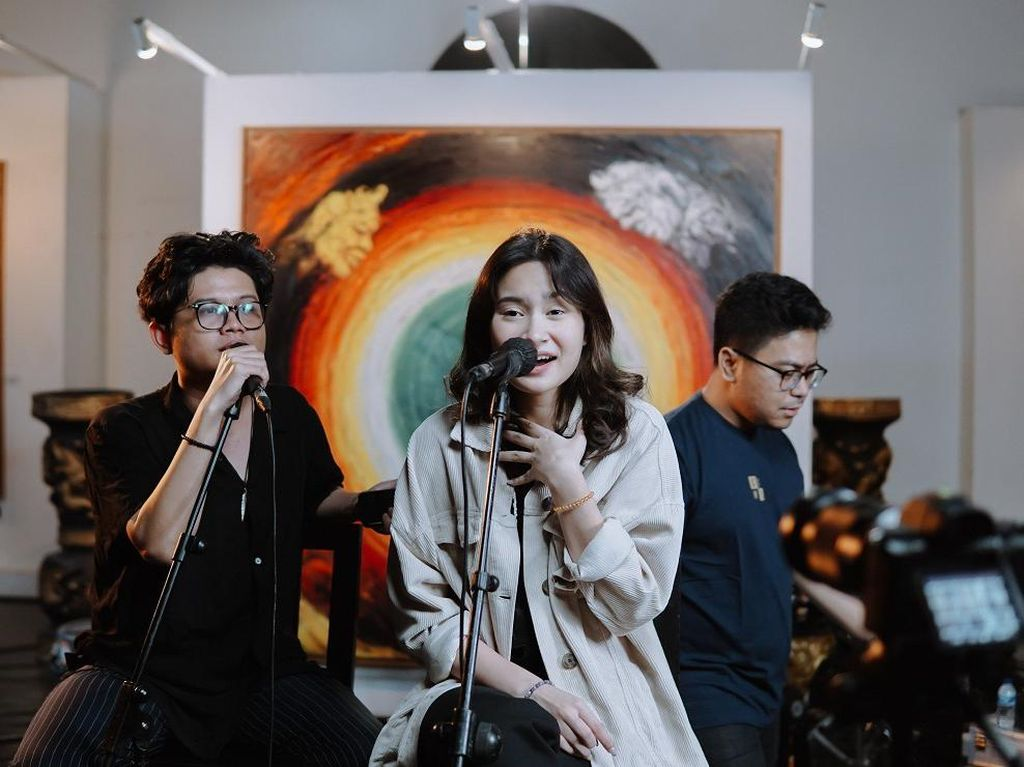Juicy Luicy Gandeng Satine untuk Collaboration Series