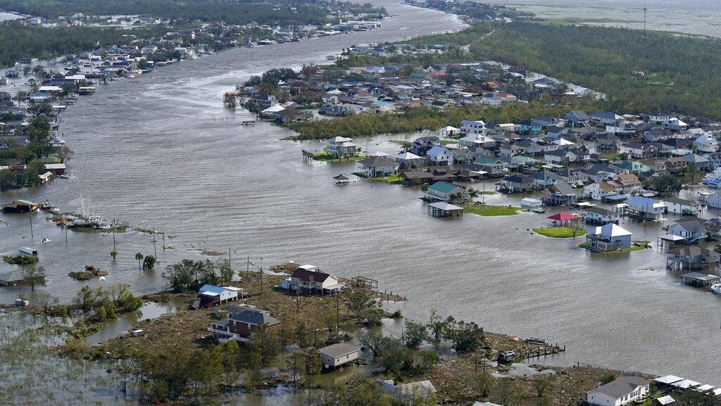 Penampakan Banjir Akibat Badai Ida yang Tewaskan Puluhan Orang di AS