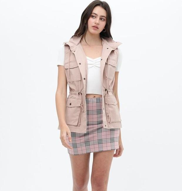 Trend outfit ala genderless ada utilitarian vests