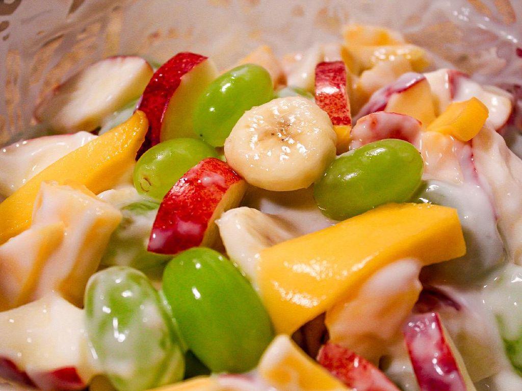 Resep Salad Buah Saus Yogurt yang Cocok Buat Diet