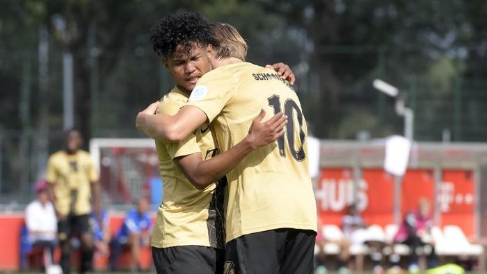 Bagus Kahfi mencetak dua gol buat Jong FC Utrecht dalam laga uji coba, Jumat (3/9/2021). Utrecht menang 5-2 atas La Louviere Centre.