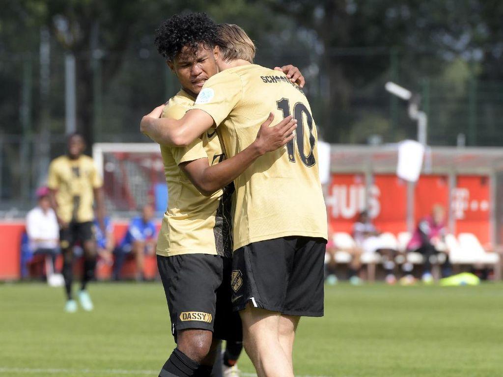 Bagus Kahfi Dua Gol, Jong Utrecht Menang Besar