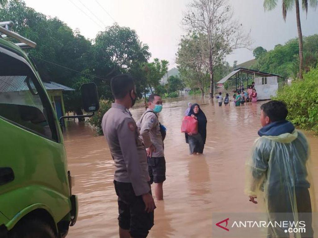 5 Desa di Gorontalo Terendam Banjir, Evakuasi Warga Terkendala Perahu