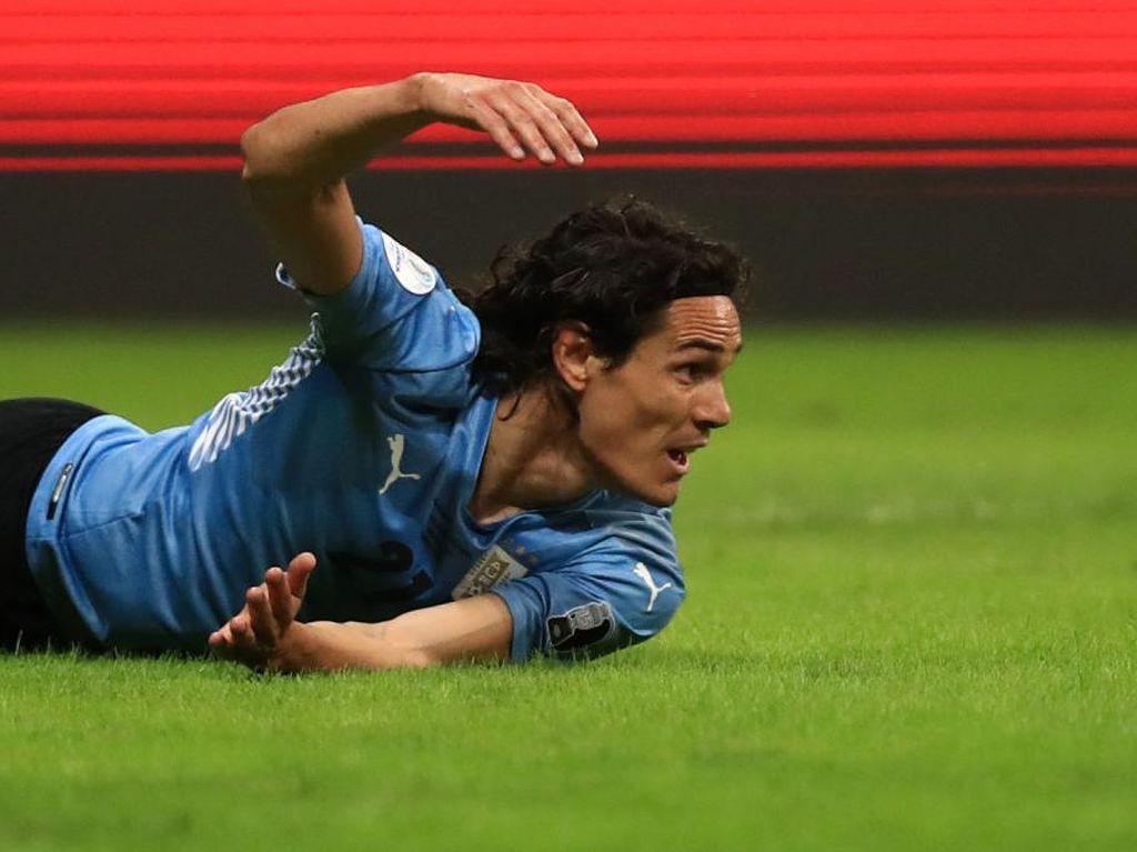 Cavani Sakit Hati Tak Bisa Bela Uruguay, tapi...