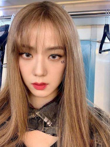 Potret Idol K-Pop dengan Rambut Blonde, Terbaru Ada Jisoo BLACKPINK!