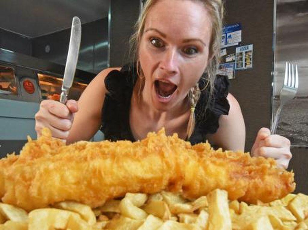 Resto Ini Tantang Pengunjung Makan 2,5 Kg Fish and Chips dalam 1 Jam, Sanggup?