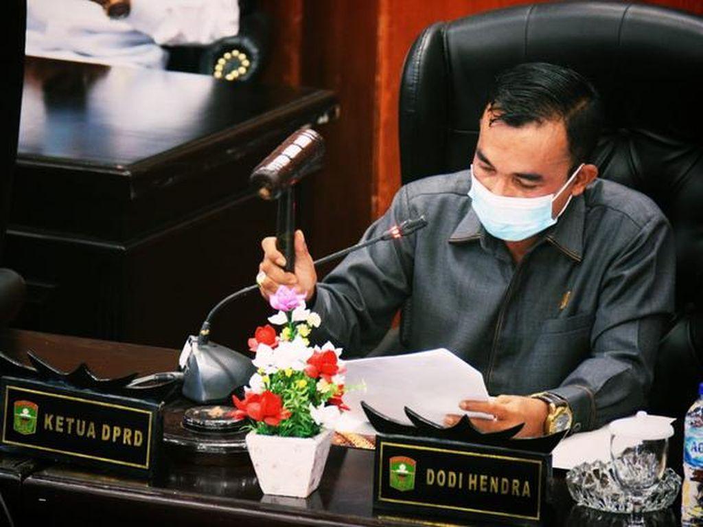 Pesan Terbuka Ketua DPRD Solok ke Bupati Epyardi Tarung di Pengadilan