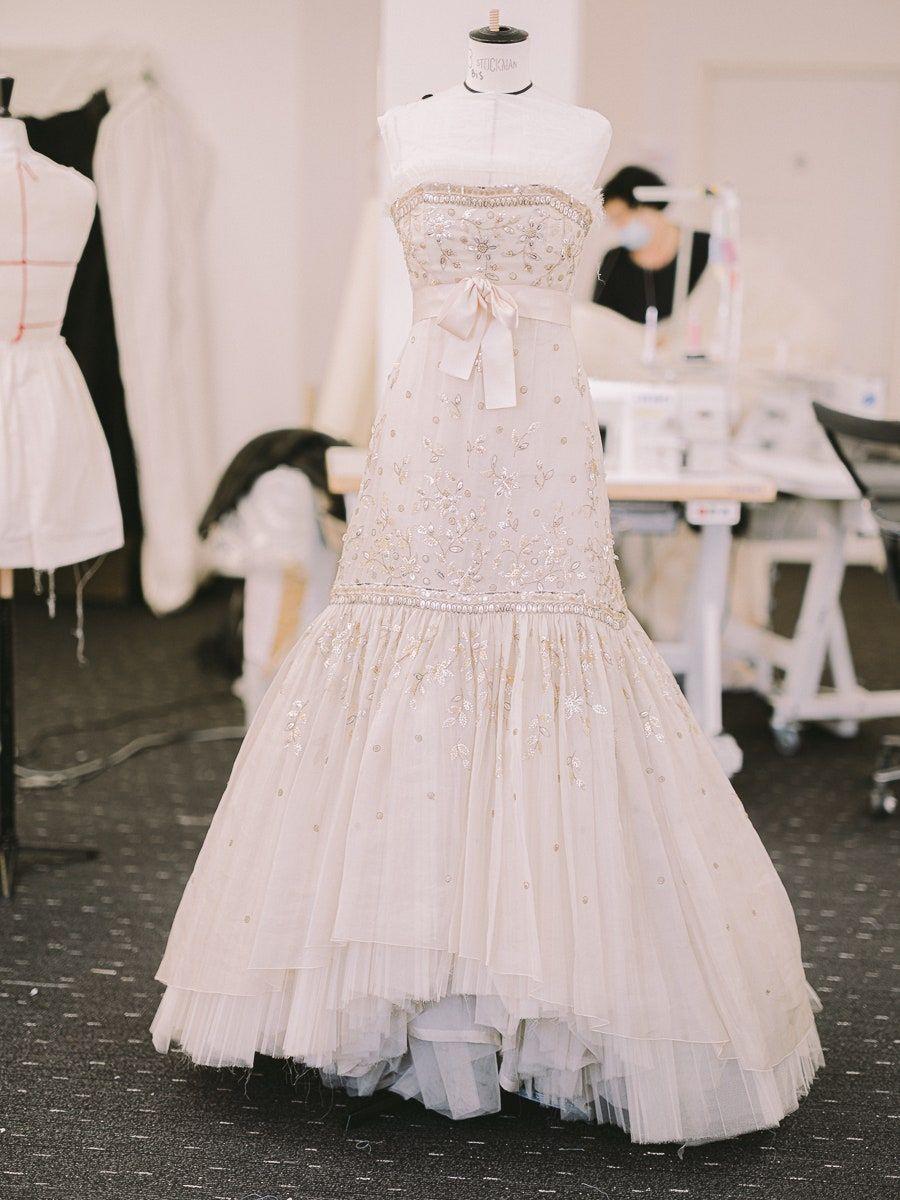Gaun Chanel di film Spencer