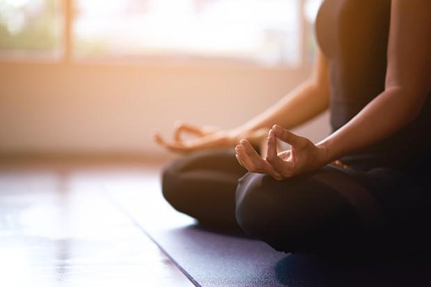 Meditasi untuk meningkatkan dopamin/ Foto: Freepik.com