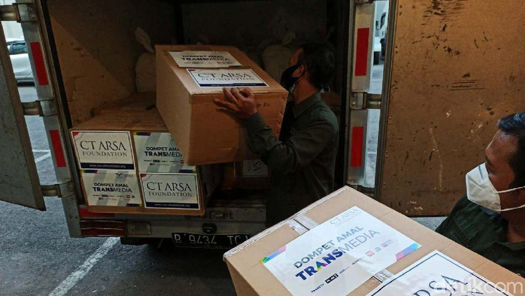 CT ARSA Foundation Kirim APD untuk Nakes di Zona Merah