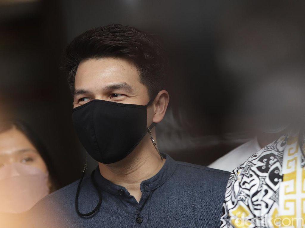 Jonathan Frizzy Siap Penuhi Panggilan Polisi Terkait Laporan KDRT Dhena Devanka