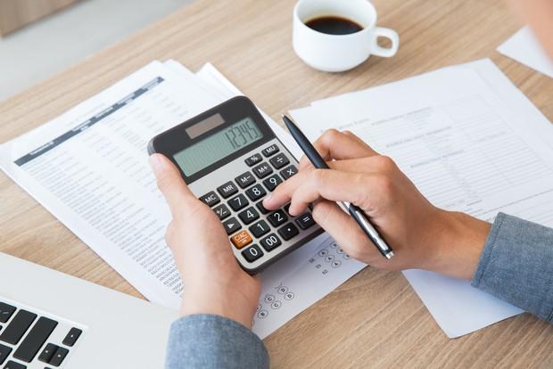 Segeralah menyusun anggaran pengeluaran dengan mengurutkannya dari sesuatu yang penting hingga yang dapat ditunda.
