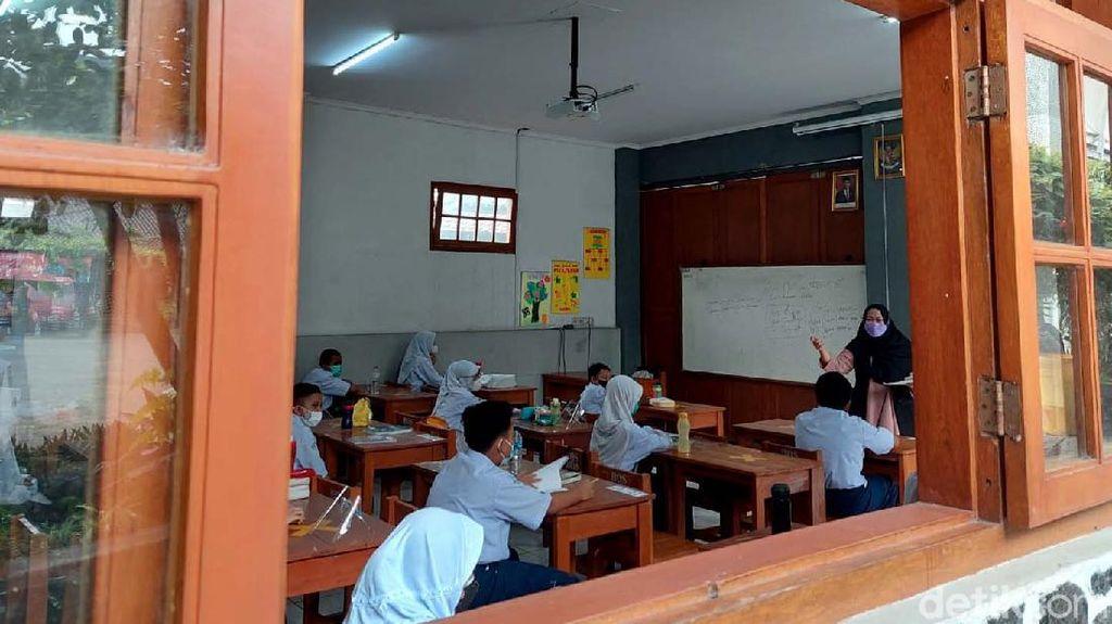 Saat Pelajar di Cimahi Antusias Ikut Serta Sekolah Tatap Muka
