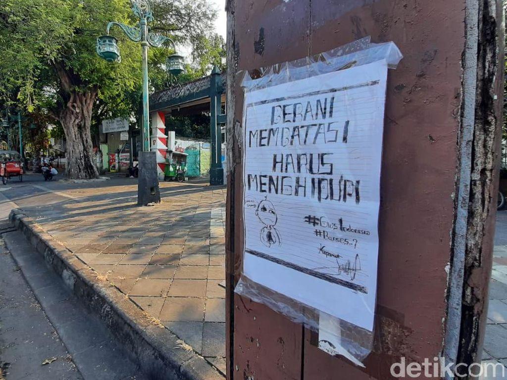 Hilang Mural Muncul Poster Kritikan di Solo, Ini Tanggapan Gibran