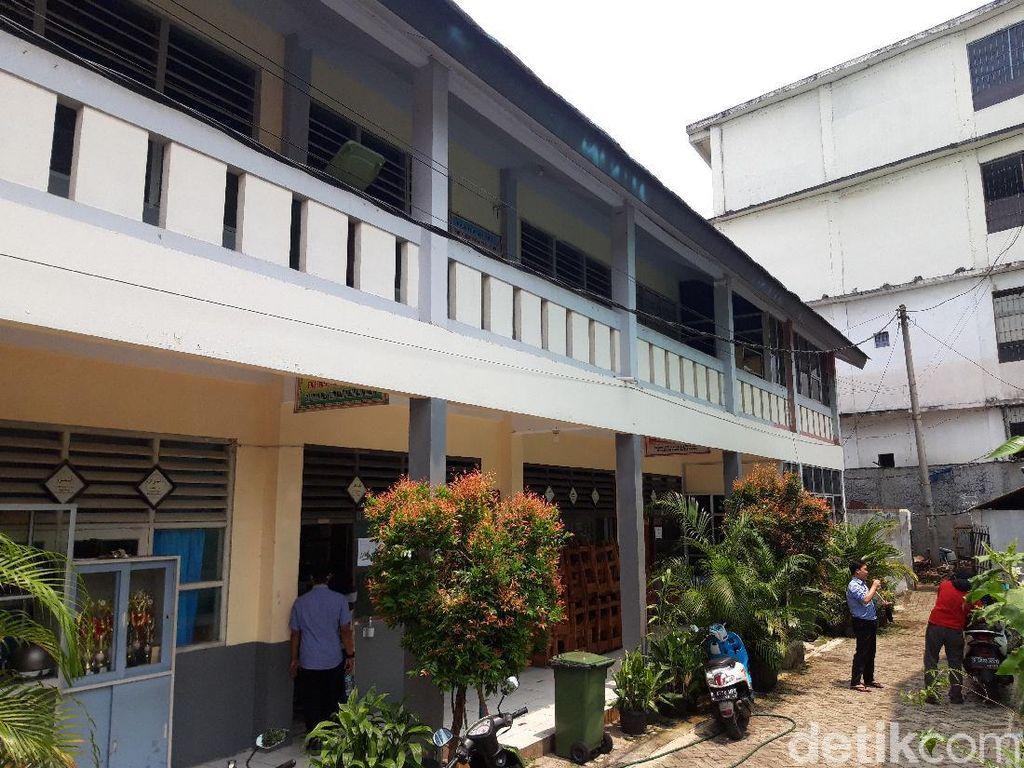 SMKN 6 Tangsel Tak Cukup Kelas untuk Belajar, Numpang di Gedung SMP