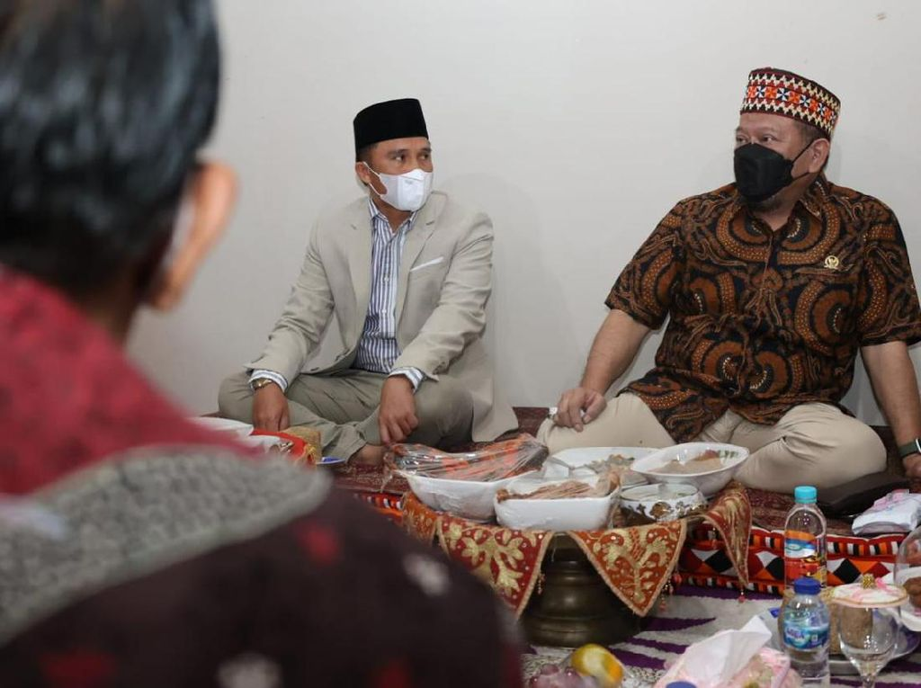 Ke Lampung Barat, Ketua DPD Dijamu Nasi Lakkai-Kopi Robusta