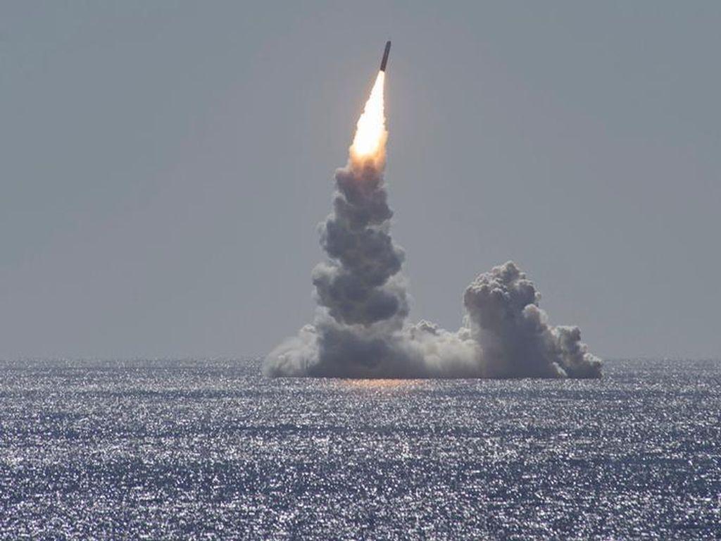 Korsel Negara Pertama Tanpa Senjata Nuklir yang Kembangkan Rudal SLBM