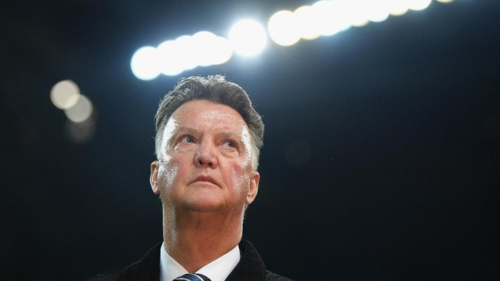 MANCHESTER, ENGLAND - NOVEMBER 21:  Louis van Gaal looks on prior to the UEFA Champions League group F match between Manchester City and Feyenoord at Etihad Stadium on November 21, 2017 in Manchester, United Kingdom.  (Photo by Laurence Griffiths/Getty Images)