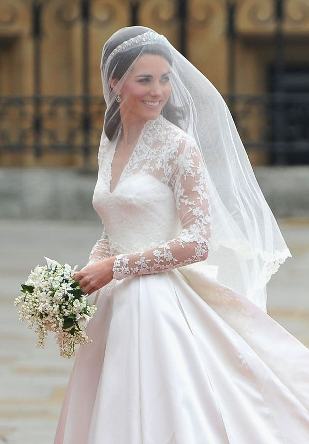 Dress selebriti paling mahal pernah dipakai Kate Middleton.