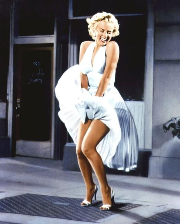 Dress selebriti paling mahal pernah dipakai Marilyn Monroe.