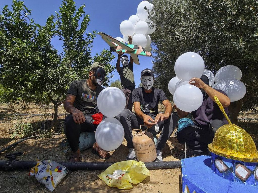 Lagi, Warga Palestina Kirim Balon Api Tanda Perlawanan ke Israel