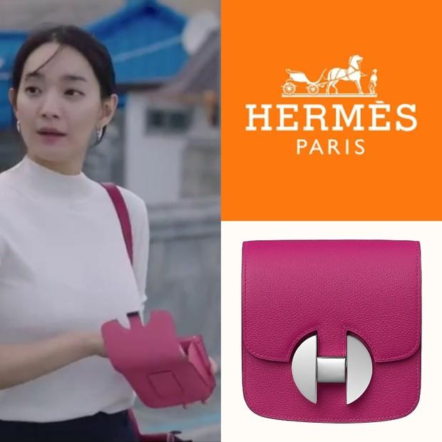 Dompet Hermès Shin Min Ah di 'Hometown Cha-Cha-Cha'