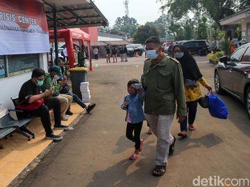 Keluarga Korban Kebakaran Lapas Tangerang Datangi Crisis Center