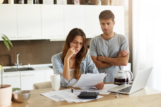 Tidak memiliki tabungan atau dana simpanan menunjukkan bahwa terjadi kesalahan dalam mengatur uang tersebut.
