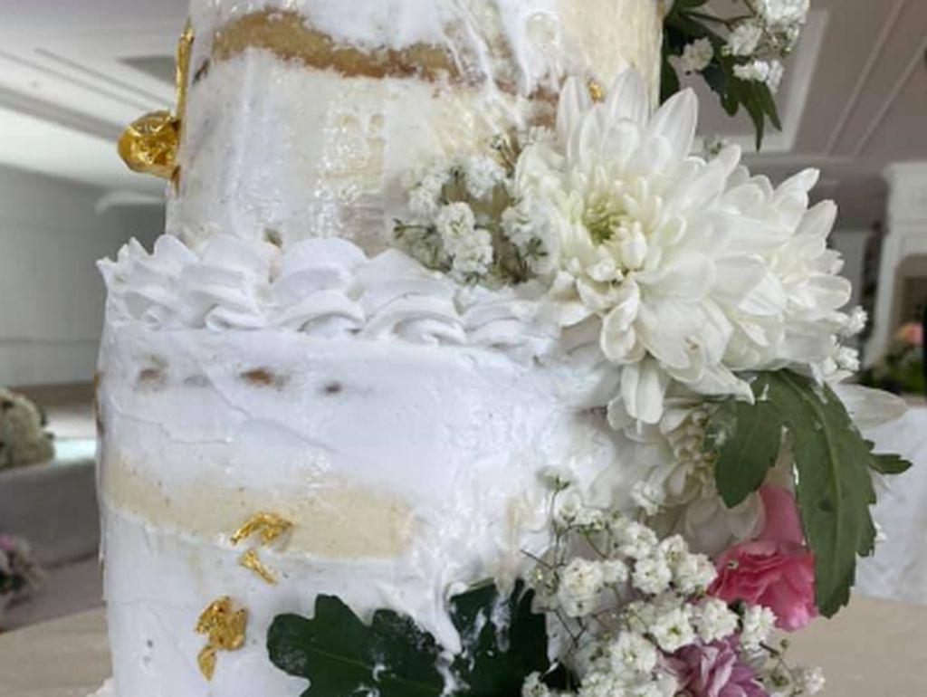 Beli Kue Pengantin Rp 3,4 Juta, Pasangan Ini Dapat Kue Meleleh