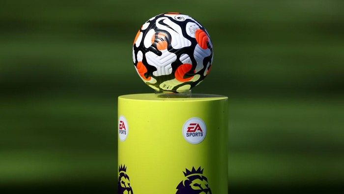 NEWCASTLE UPON TYNE, ENGLAND - AUGUST 28: A detailed view of the Nike match ball on a plinth prior to the Premier League match between Newcastle United  and  Southampton at St. James Park on August 28, 2021 in Newcastle upon Tyne, England. (Photo by George Wood/Getty Images)