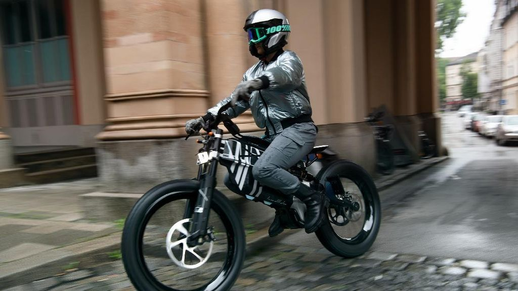 Motor Listrik Mungil BMW Motorrad Terbaru Motorrad Vision AMBY