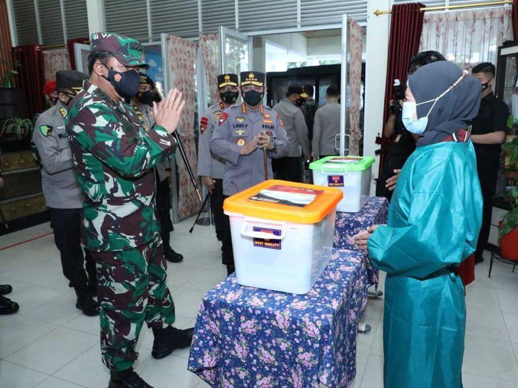 Panglima TNI Minta Satgas Tak Lengah Meski Kasus COVID-19 di Pontianak Turun