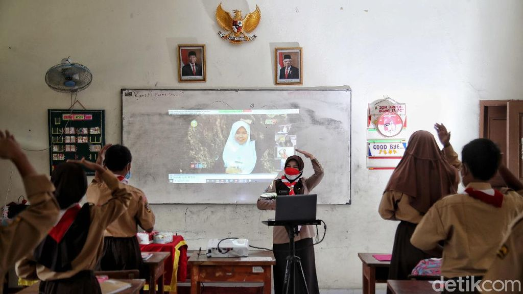 Potret Semangat Pelajar SD saat Sekolah Tatap Muka