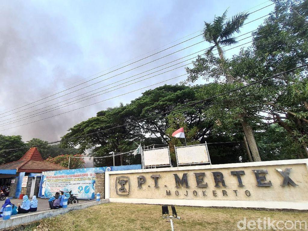 Pabrik Kain PT Mertex di Mojokerto Terbakar, Warga Dengar Ledakan